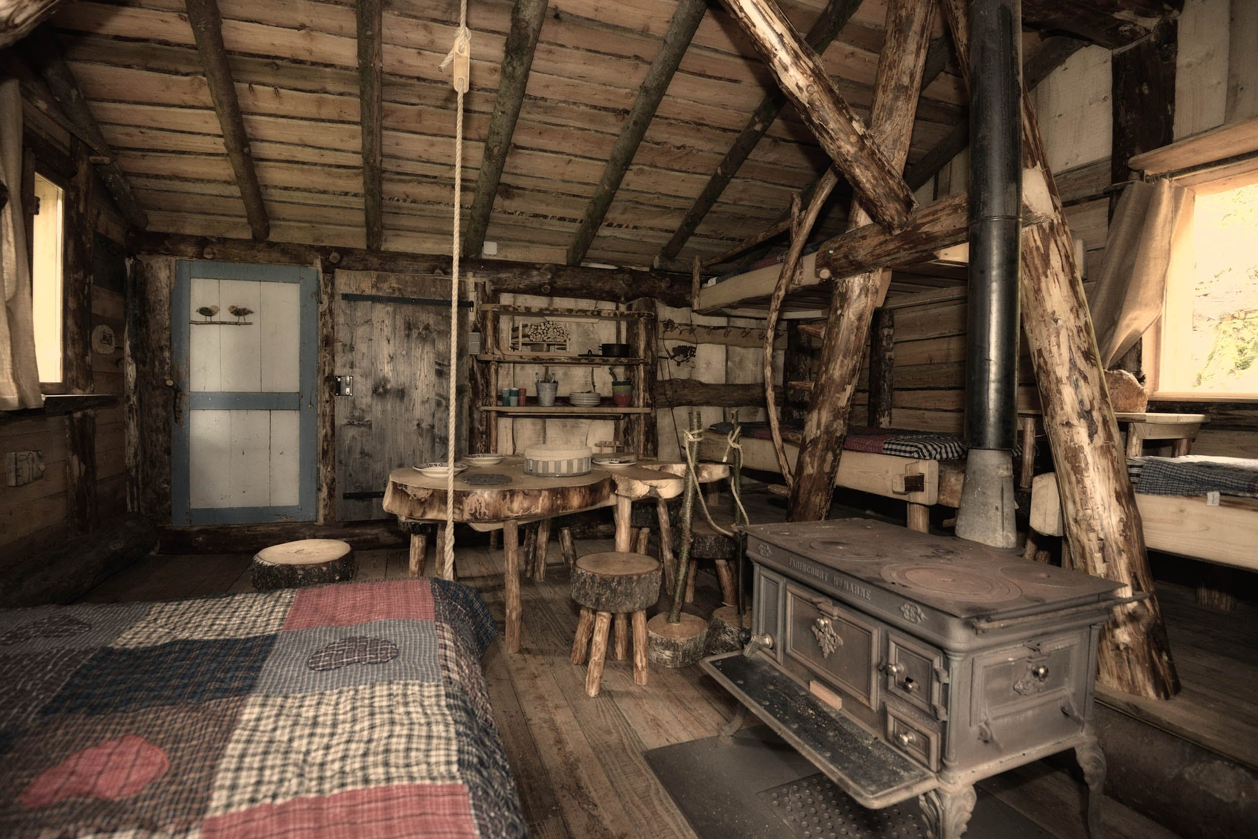 la cabane du trappeur inside escape game aux mathes. Black Bedroom Furniture Sets. Home Design Ideas
